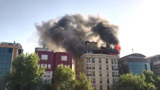 Ankara Maltepe'de bir otelin çatı katında yangın