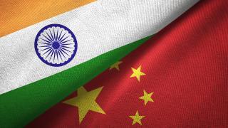 Hindistan ve Çin sınırdaki gerginliği düşürmek için görüştü
