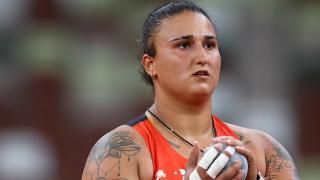 Milli sporcu Emel Dereli Tokyo'ya veda etti