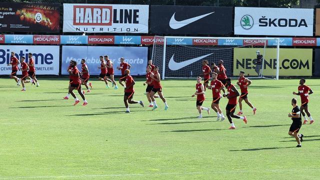 Galatasaray transferlerle kabuk değiştirdi