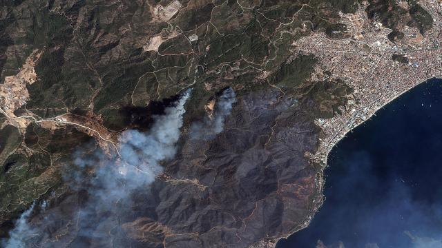 Manavgat ve Marmaristeki orman yangınları uzaydan görüntülendi