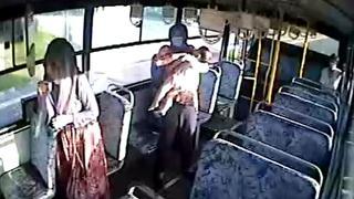 Otobüs şoförü, nöbet geçiren çocuğu sağlık ekiplerine yetiştirdi