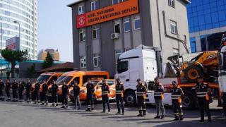 İstanbul'dan yangın bölgelerine 150 araç ve 719 personel takviyesi