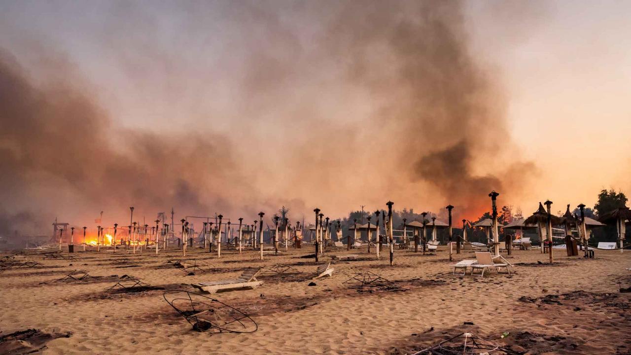 Sicilya'da orman yangınları ikinci gününde devam ediyor