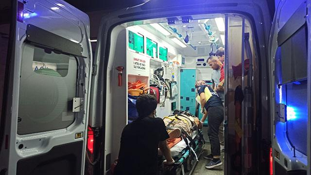 Düğüne gidenlerin bulunduğu minibüs şarampole devrildi: 9 yaralı
