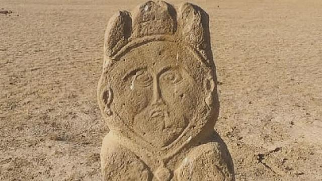 Kazakistanda 1300 yıllık eski Türk dönemine ait taş heykel bulundu
