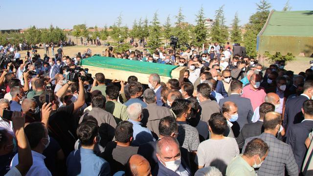 Konyada öldürülen 7 kişinin cenazesi toprağa verildi