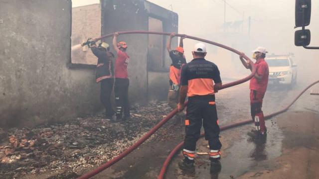 Manavgattaki yangın tedbir amaçlı boşaltılan mahalleye sıçradı