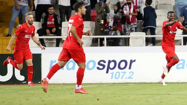 Demir Grup Sivasspor tur biletini kaptı