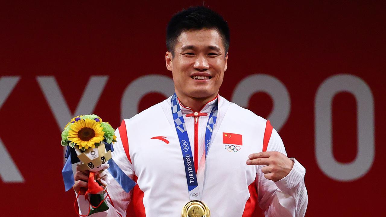 Çinli halterciden 3 olimpiyat rekoru