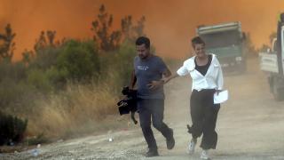 TRT Haber ekibi büyük tehlike atlattı
