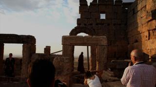 Zerzevan Kalesi manzaraları sergilerin ilham kaynağı oluyor