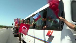 Azerbaycan'dan Türkiye'ye destek: 220 itfaiye eri daha geldi