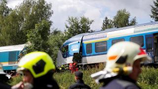 Çekya'da iki tren çarpıştı: 2 ölü, 50 yaralı