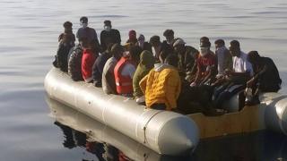 İzmir açıklarında 61 sığınmacı kurtarıldı