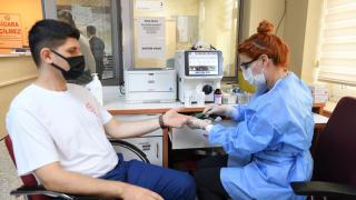 Başkentte 20 öğretmen Türk Kızılaya kan bağışında bulundu