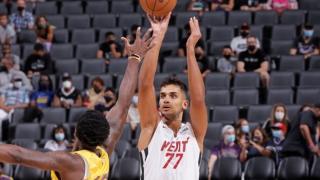 """Ömer Faruk Yurtseven NBA'de """"double-double"""" ile başladı"""