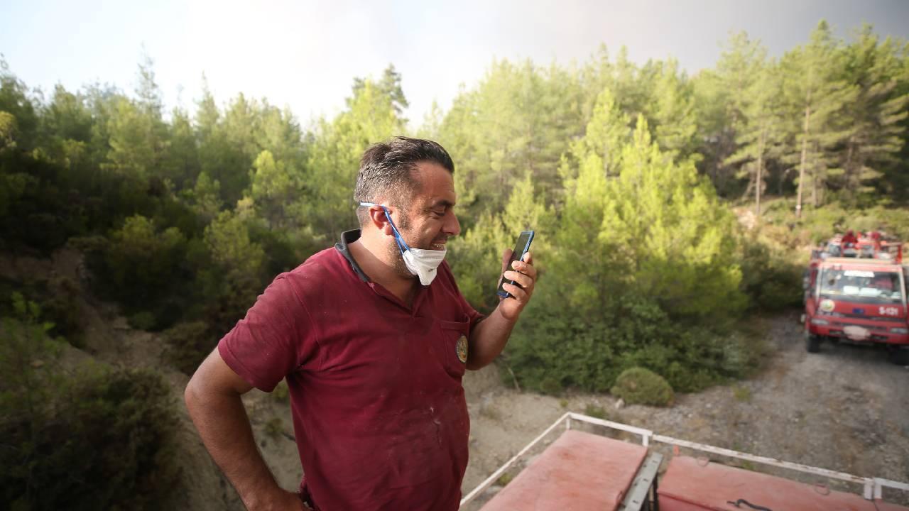 Orman işçisinin duygu dolu telefon görüşmesi