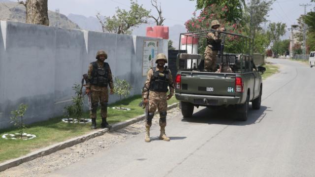 Pakistan Afganistan sınırına çektiği tel örgünün yüzde 90ını tamamladı