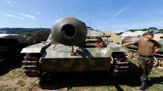 Almanya'da bodrumundan tank çıkan adama 400 bin dolar para cezası