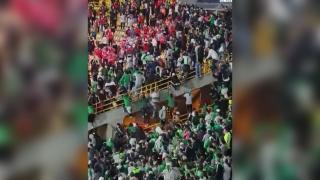 Kolombiya'da salgın sonrası seyircili oynanan ilk maçta olay çıktı