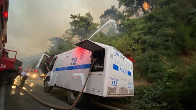 İstanbul Emniyet Müdürlüğünden yangın bölgelerine 20 TOMA
