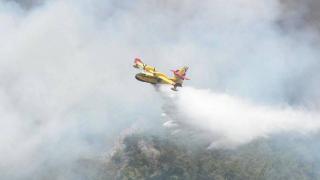 Yangın söndürme uçaklarının yoğun mesaisi sürüyor