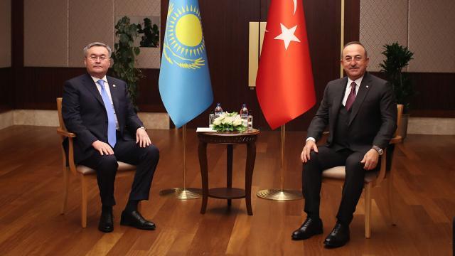 Çavuşoğlu Kazakistan Dışişleri Bakanı Tileuberdi ile görüştü