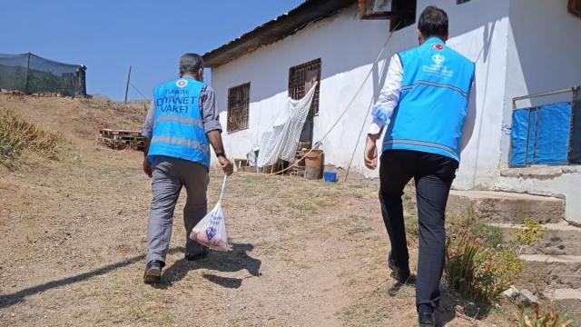 Baskilde ihtiyaç sahibi 150 aileye kurban eti dağıtıldı