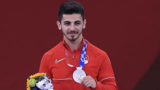 Eray Şamdan madalyasını aldı