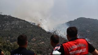Gündoğmuş ilçesindeki orman yangınına müdahale sürüyor