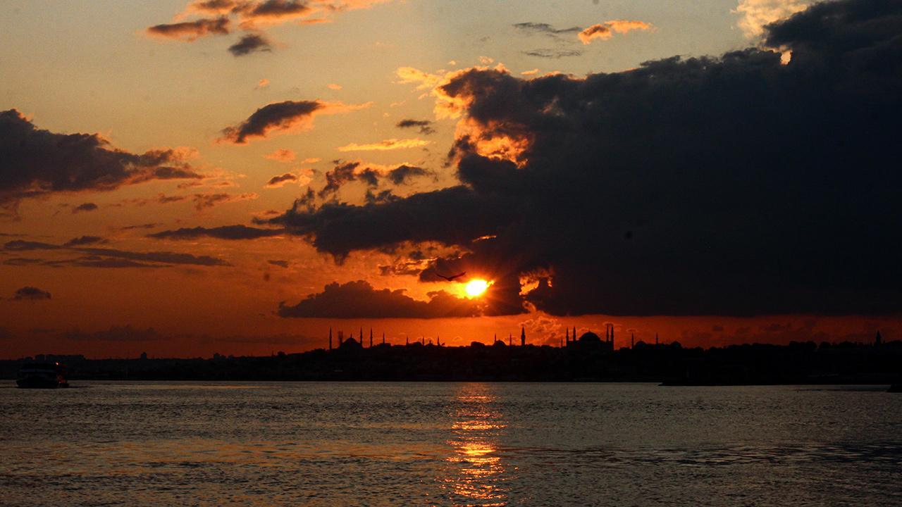 Kadıköy rıhtımda gün batımı