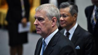 Cinsel saldırıyla suçlanan Prens Andrew'den mahkeme celbini almama çabası