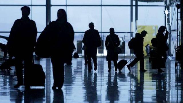 ABD uluslararası uçuşlar için aşı zorunluluğu getirmeyi görüşüyor