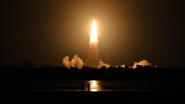 Hindistanın gözlem uydusu fırlatma denemesi başarısız oldu