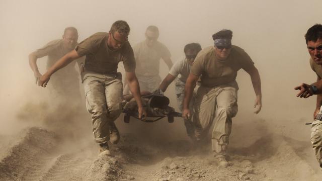 ABDnin en uzun savaşı: Afganistanda 2 bin 400den fazla Amerikan askeri öldü