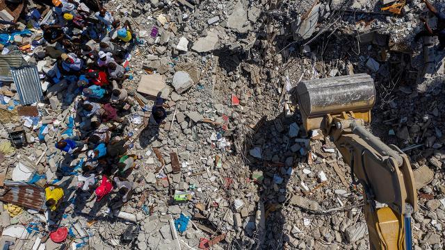 Haitide depremin ardından gıda ve hijyen malzemelerine ihtiyaç var