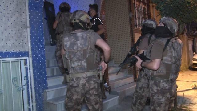 İstanbulda uyuşturucu tacirlerine operasyon: Çok sayıda gözaltı var