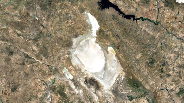 Tuz Gölündeki kuraklık uydu görüntülerinde