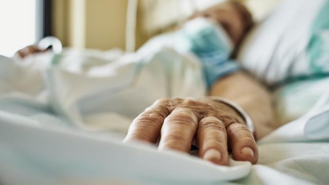 Erzurumda bazı hastane bölümleri tekrar COVID-19 servisine dönüştürüldü