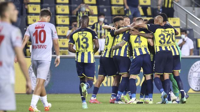 Fenerbahçe son dakikalarda kazandı