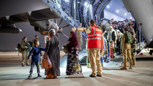 Almanya 2 binden fazla kişiyi Afganistandan tahliye etti