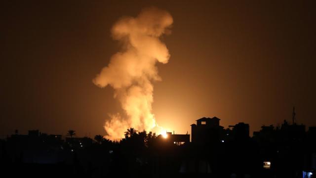 İsrail Gazzede Filistin direniş gruplarına ait noktaları vurdu