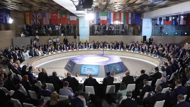 Kırım Platformu Zirvesi'nde Ukrayna'ya destek mesajı - Son Dakika Haberleri