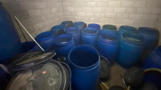Adanada 6 bin litre sahte içki ele geçirildi