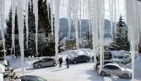 Kar kütlesi ve buz sarkıtı can aldı: Biri çocuk iki kişi öldü