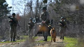 FETÖ ve DEAŞ mensubu 3 kişi sınırda yakalandı