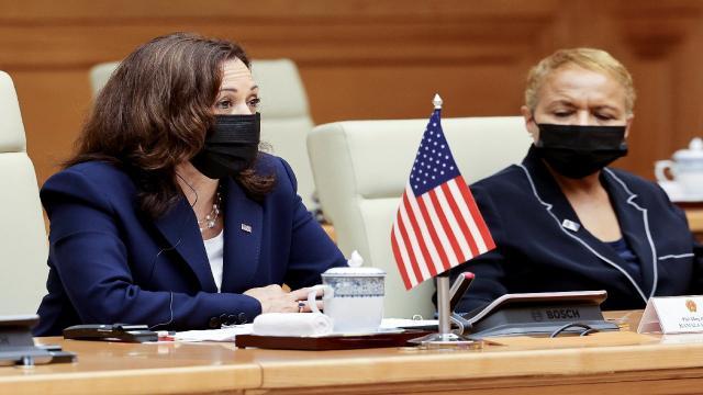 Harris Çin üzerinde baskıyı arttırma vurgusu yaptı