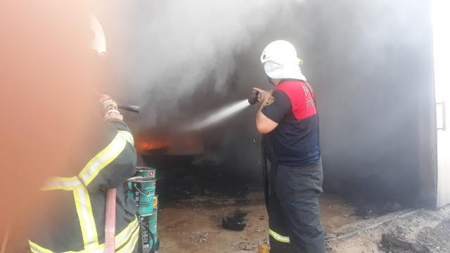 Aydında tarım aletlerinin bulunduğu depoda çıkan yangın söndürüldü