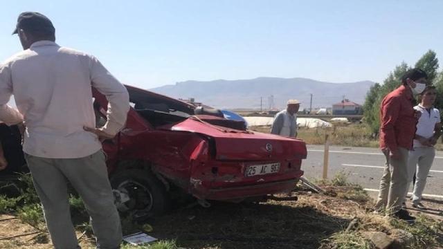 Ağrıda iki otomobil çarpıştı: 1 ölü, 2 yaralı